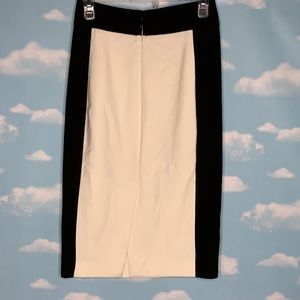 Zara Skirts - Zara Basic- Black & White Pencil Skirt size xsmall